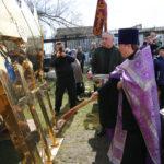 Купола и кресты освящены для храма в селе Безопасное