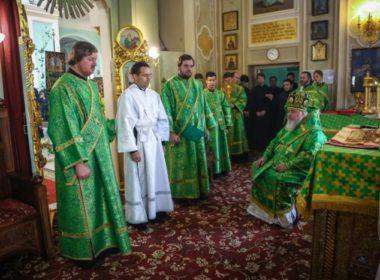 Правящий архиерей совершил Божественную литургию в день Святого Духа