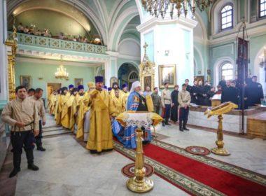 Митрополит Кирилл совершил Литургию в день выпускного акта Ставропольской духовной семинарии