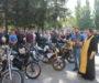 Священник благословил участников мотопробега