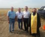 Священник благословил участников соревнований по скандинавской ходьбе