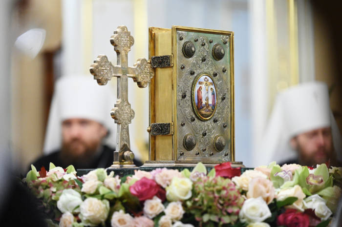 Священный Синод констатировал невозможность евхаристического общения с Архиепископом Кипрским Хризостомом