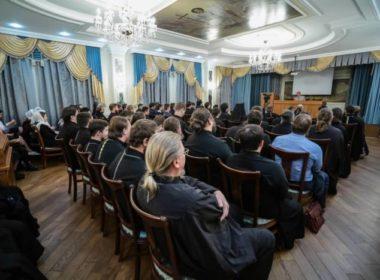 В семинарии прошла встреча с народным артистом России Николаем Бурляевым