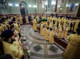В канун 10-летнего юбилея архиерейской хиротонии митрополит Кирилл совершил всенощное бдение