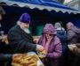 Митрополит Кирилл благословил обед для малоимущих на территории Андреевского собора