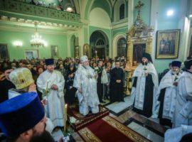 В канун праздника Крещения Господня митрополит Кирилл совершил всенощное бдение в Андреевском соборе