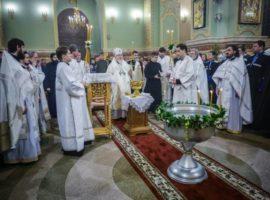 В праздник Крещения Господня митрополит Кирилл совершил Литургию и чин великого освящения воды в Казанском соборе