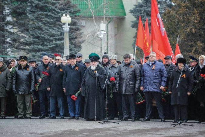 Митрополит Кирилл принял участие в митинге в 77-ю годовщину освобождения Ставрополя от оккупации