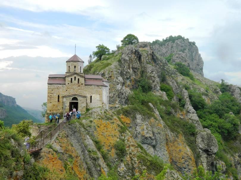 Паломническая поездка к древним святыням Теберды
