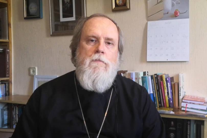 Видеоэкскурсв историю праздника провел председатель епархиального отдела по культуре протоиерей Михаил Моздор.