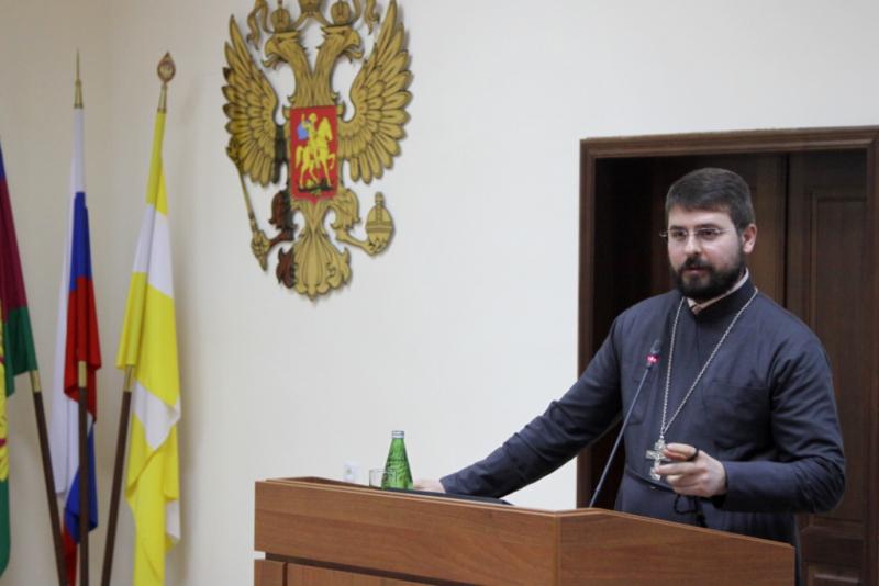 Руководитель епархиального отдела прочитал лекцию для военнослужащих