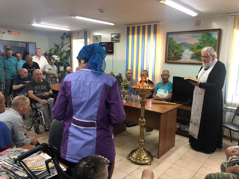 Клирик епархии посетил психоневрологический интернат