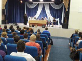 Священник принял участие в беседе со студентами-первокурсниками