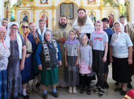 Благочинный представили сельчанам нового священника прихода