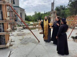 Продолжается строительство братского корпуса мужского монастыря в Светлограде