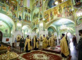 Митрополит Кирилл совершил всенощное бдение во Владимирском соборе Ставрополя