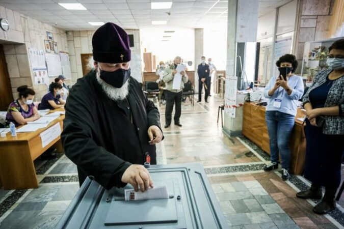 Митрополит Кирилл принял участие в выборах в Госдуму