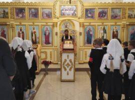В православной гимназии совершили традиционный утренний молебен