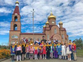 Начались занятия в воскресной школе Михайловского собора