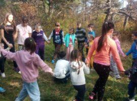 Воспитанники православной гимназии провели выходной на природе